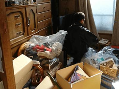 ゴミ屋敷片付け  家具、家電をリサイクルし低価格、高サービスを実現